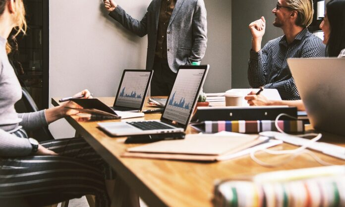 5 Important Areas to Include B2B Sales Training that You Can Learn