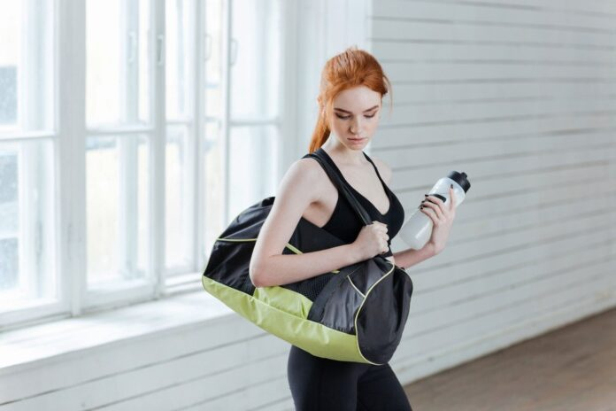 Essential Things Women Must Carry in Her Gym Bag